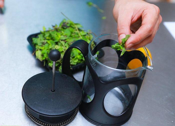 چگونه چای نعنا درست کنیم