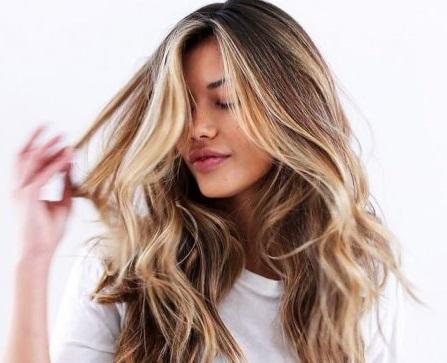 علت خشکی مو در زنان و مردان