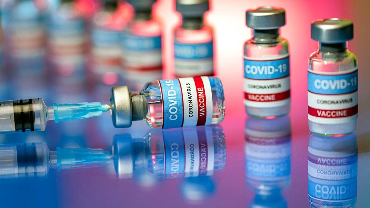 دوز سوم واکسن